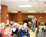 Guy Penrod Speaks, Sings for Patients